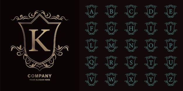 편지 k 또는 럭셔리 장식 꽃 프레임 황금 로고 템플릿 컬렉션 초기 알파벳.