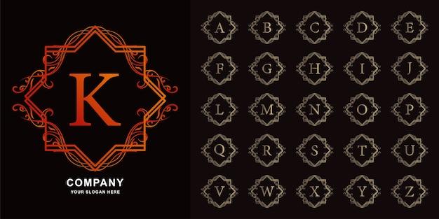 Буква k или начальный алфавит коллекции с роскошным орнаментом цветочная рамка золотой шаблон логотипа.