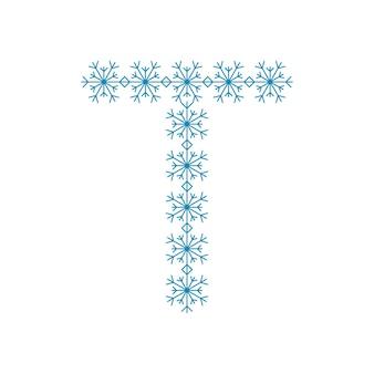 雪片からの文字t。新年とクリスマスのためのお祝いのフォントや装飾