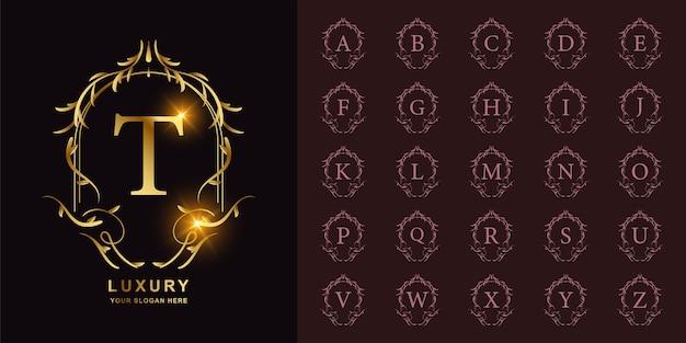 Буква t или начальный алфавит коллекции с роскошным орнаментом цветочная рамка золотой шаблон логотипа.