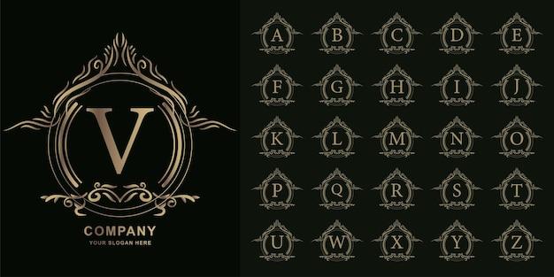 文字vまたは豪華な飾り花フレームゴールデンロゴテンプレートとコレクションの最初のアルファベット。