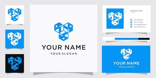 명함이 있는 편지 y 상자 기술 로고 디자인