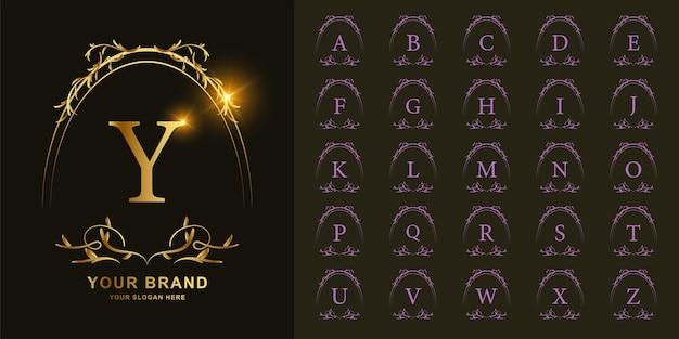 文字yまたは豪華な飾り花フレームゴールデンロゴテンプレートとコレクションの頭文字。