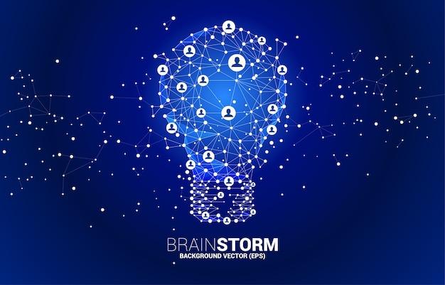 와이어 프레임 다각형 라인에서 전구 연결 점 기하학적 사람 아이콘. 사업 아이디어와 브레인 스토밍의 개념입니다.