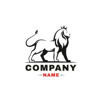 ライオンのロゴ。白い背景の上の王冠を持つライオン。