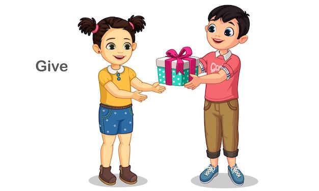 작은 귀여운 소녀 그림에 선물을주는 어린 소년