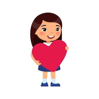 심장 모양의 인사말 카드 그림을 들고 작은 여자 친구. 발렌타인 데이 축하. 아시아 웃는 아이 캐릭터. 2 월 14 일 휴일 격리 디자인 요소