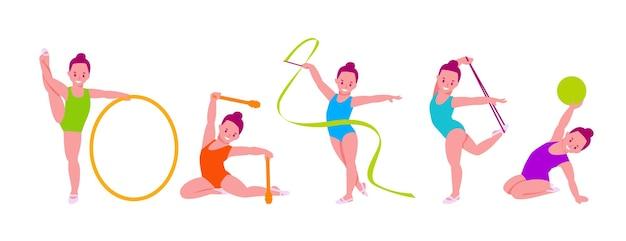 Маленькие девочки художественные гимнастки с различными гимнастическими предметами.
