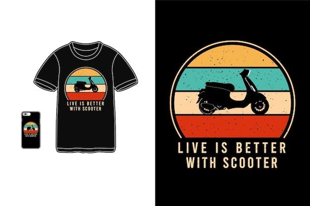 Жить лучше с надписью на скутере на рубашке