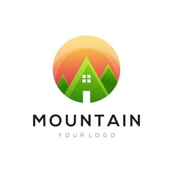 ロゴイラスト山グラデーションカラフルなスタイル