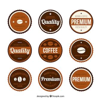白い背景の上のコーヒーのためのロゴ