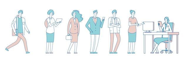 長い列の人々。秘書を待っている社会制度の男女。