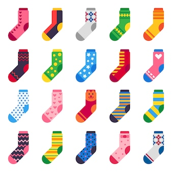 子供の足、カラフルな生地、ストライプの暖かい子供服のアイコンセットの長い靴下