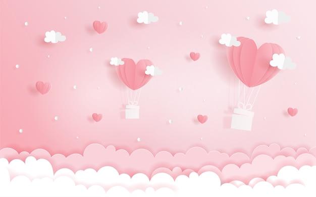 Концепция любви с воздушными шарами сердца в небе