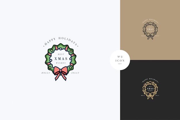 赤いリボンと金の地球儀で飾られた緑の花輪を持つ素敵なメリークリスマスコンセプト。典型的なアドベントまたはクリスマス世帯