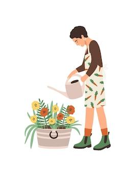 사랑스러운 젊은 웃는 여자 또는 정원사 집 정원 돌보는, 화분에서 자라는 관엽 식물에 물을