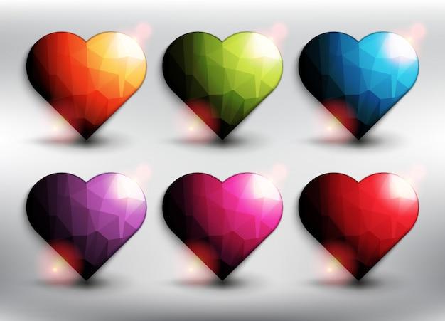 6つの異なる色の低ポリゴンスタイルの心。ハートのアイコン。白い背景で隔離されました。