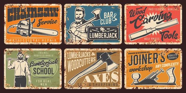 Дровосек, столярка из ржавого металла. сильный мужчина в рубашке держит топор, школа лесорубов, сервис бензопилы. топоры лесоруба, столярная мастерская вектор старинные плакаты набор знаков ржавчины олова