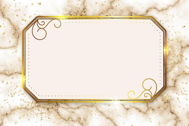 装飾品が付いている豪華な金色のフレーム