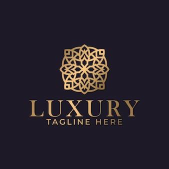 豪華な曼荼羅と金色の装飾用ロゴデザインテンプレート