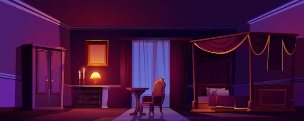 밤에 럭셔리 오래 된 침실 인테리어입니다. 목조 가구와 금 장식 빈 어두운 방