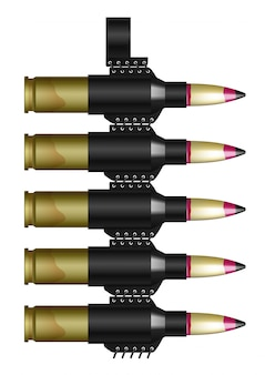 カートリッジ付き機関銃ベルト。白で隔離される短いフラグメント