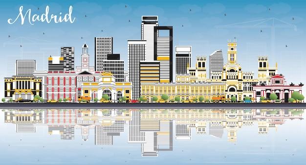 회색 건물, 푸른 하늘 및 반사 마드리드 스페인 스카이 라인. 벡터 일러스트 레이 션. 역사적인 건축과 비즈니스 여행 및 관광 개념.