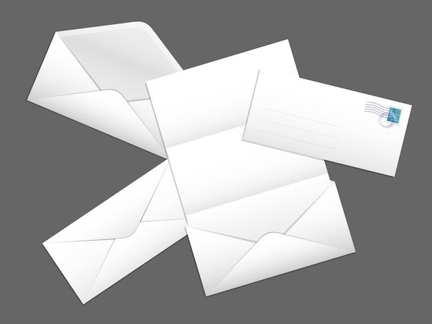 手紙と切手がセットになった郵送用封筒。