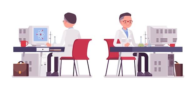 Мужской ученый работает за столом