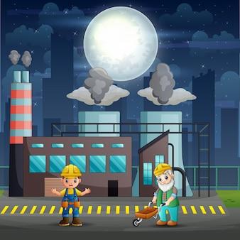 Рабочие-мужчины работают на фабрике в ночное время
