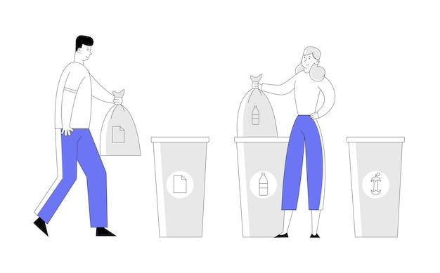 Мужчина и женщина выбрасывают мусор в контейнеры и пакеты для переработки.