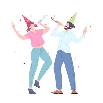 Мужчина и женщина с праздничными трубками, крышками и шампанским танцуют. счастливые молодые люди отмечают корпоративный праздник. праздник вечеринки. плоские векторные иллюстрации