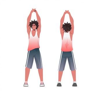 ヨガフィットネス演習を行う男健康的なライフスタイルコンセプト男トレーニングフロントバックビュー分離全長図をトレーニング