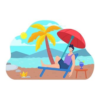 Человек в купальнике загорает, лежа на шезлонге на берегу моря или океана