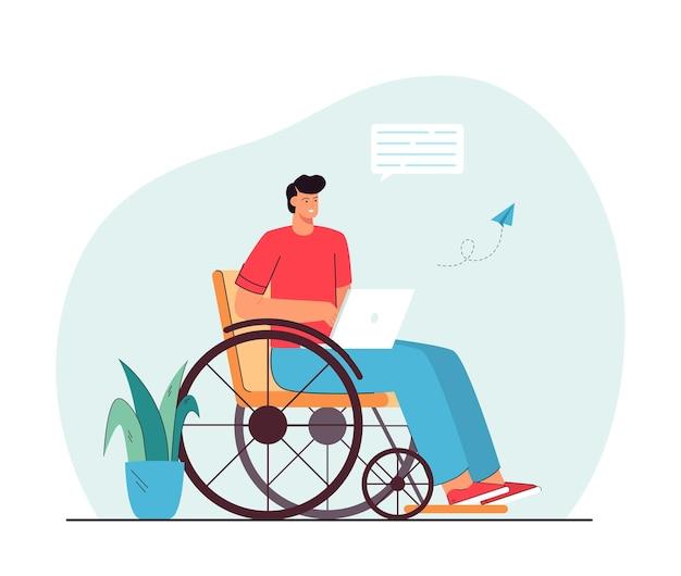 온라인으로 의사 소통하는 휠체어에 남자입니다. 노트북을 들고, 메시지를 보내고, 웃고 있는 장애인 남성 캐릭터.