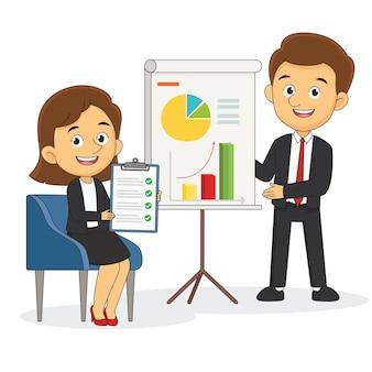 Человек делает бизнес-презентацию перед группой людей