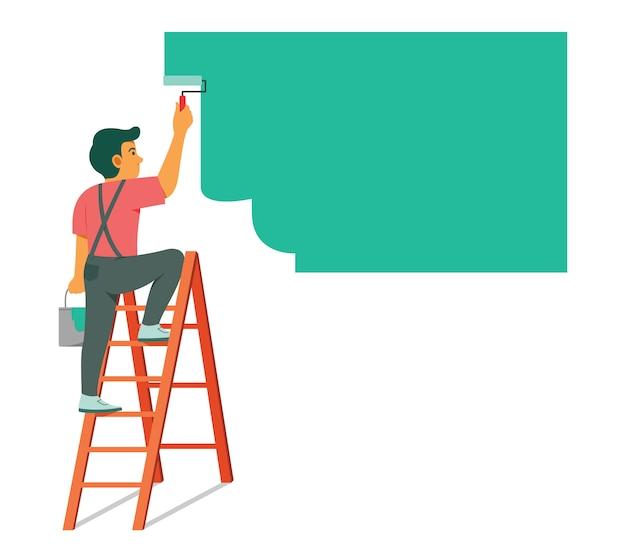 改修のために壁を塗る梯子の上の男。