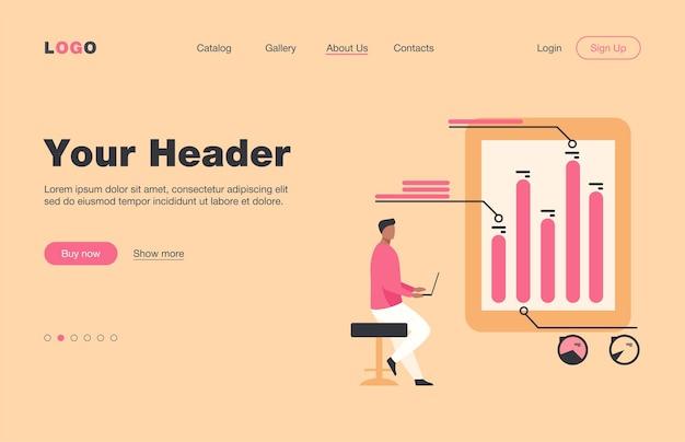 インフォグラフィックを分析するラップトップを持つ男。ダイアグラム、棒グラフ、レポートフラットランディングページ。バナー、ウェブサイトのデザインまたはランディングウェブページの分析、マーケティング、プロジェクトマネージャーのコンセプト