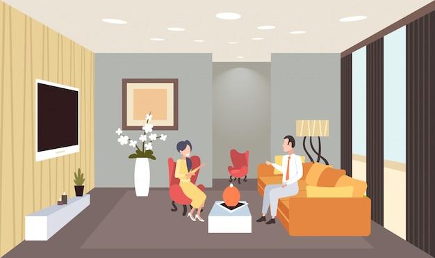 現代的なリビングルームのインテリアホームモダンなアパートの水平方向の会話を持っているカップルの会議中に議論する男性女性