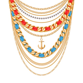 Множество цепочек золотой металлик и жемчужное ожерелье. ленты завернутые. кулон с якорем. личный модный аксессуар.