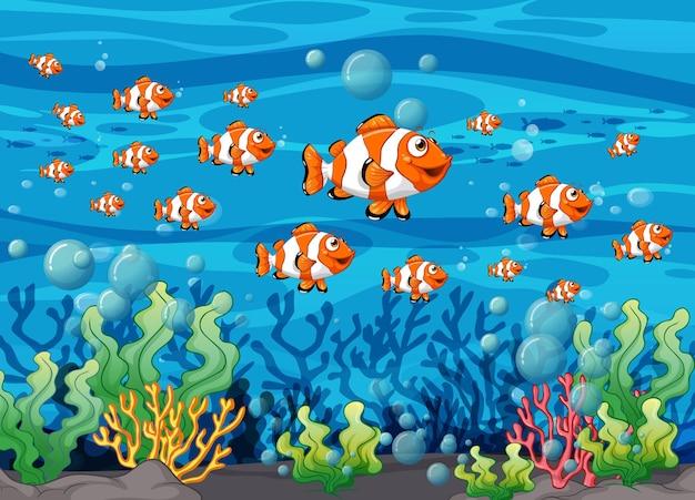 수중 배경에서 많은 이국적인 물고기 만화 캐릭터
