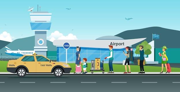 많은 승객들이 공항 앞에서 택시를 기다리고 있습니다.