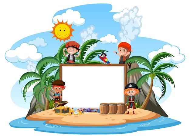 Многие пиратские дети на острове с изолированным шаблоном пустого баннера