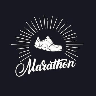 ランニングシューズで書かれたマラソン手。
