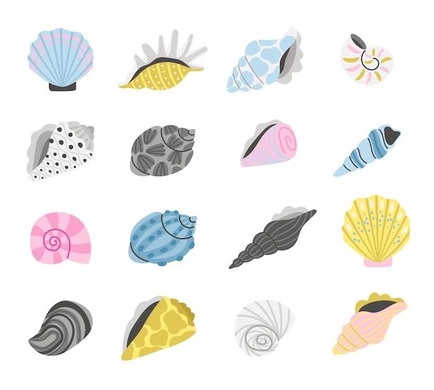 海洋貝殻。漫画の貝殻オブジェクト、手描きのカラフルな貝殻、海の宝物とビーチの砂の海岸の概念の要素、聖霊降臨祭で分離された海のアイテムのベクトル図