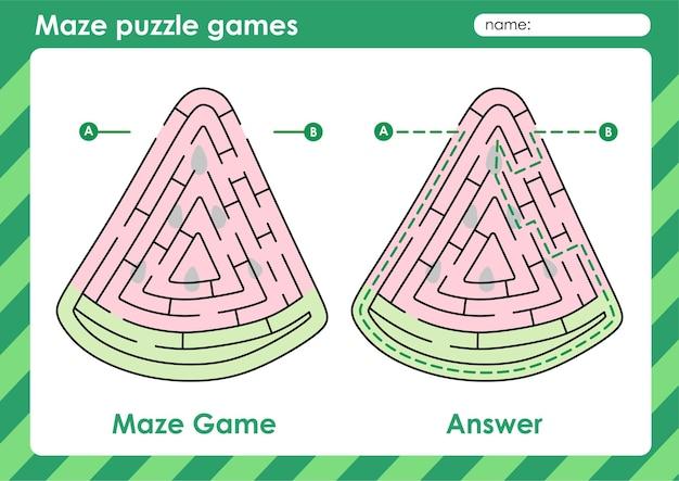 果物と野菜の絵スイカを持つ子供のための迷路パズルゲーム活動