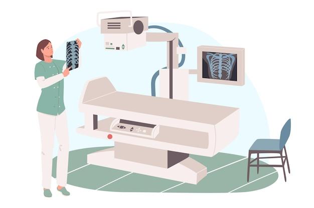 診療所のwebコンセプト。レントゲン検査室でx線写真を見ている医師。診療所での治療