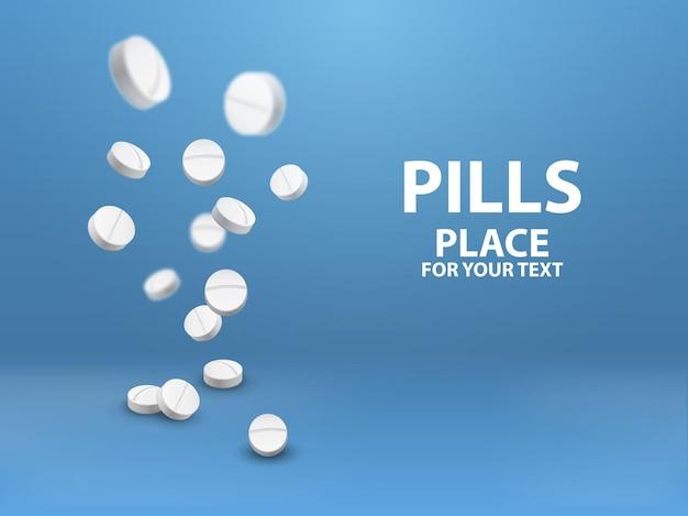 Медицинские таблетки падают на синем фоне