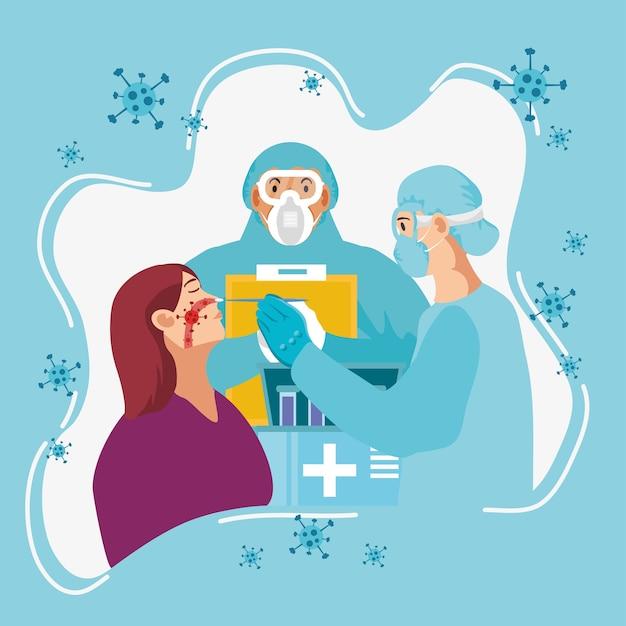 Медицинский работник тестирует коронавирус женщине с помощью мазка из горла