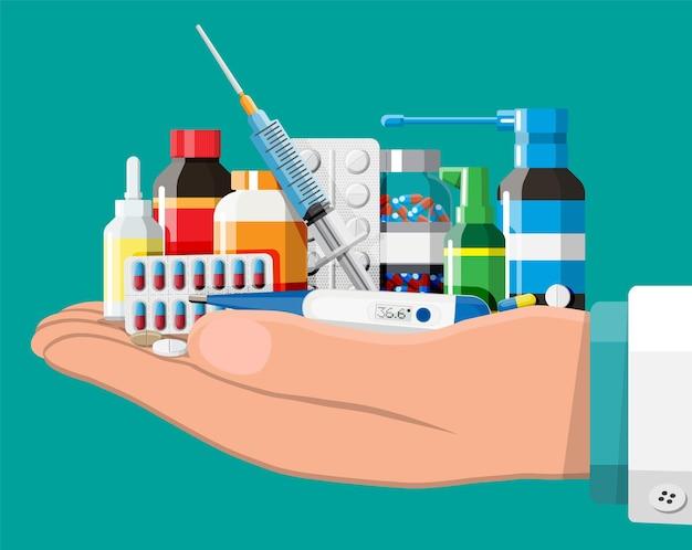 薬のコレクション。病気や痛みの治療のためのボトル、錠剤、ピル、カプセル、スプレーのセット。医薬品、ビタミン、抗生物質。ヘルスケアと薬局。フラットスタイルのベクトル図